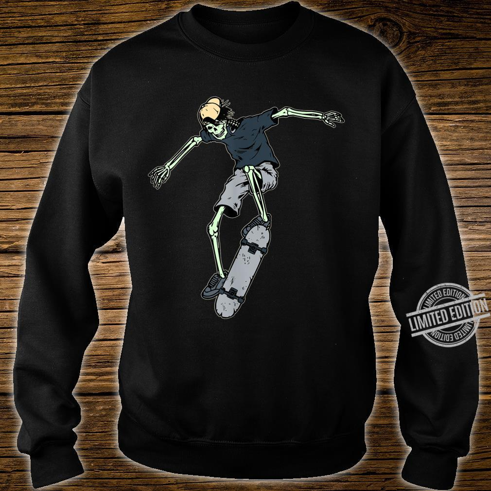 Skateboard Vintage Skate Retro Love Skateboarding Idea Shirt sweater